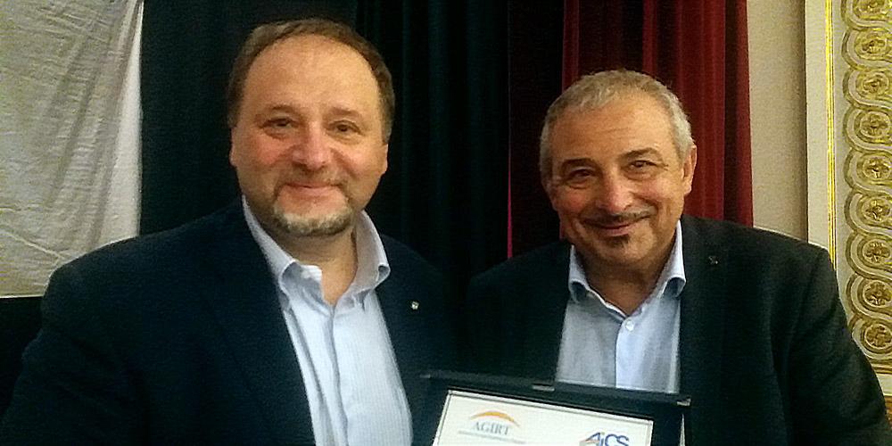 Il professor Francesco Pira riceve il Premio Speciale Penna Maestra