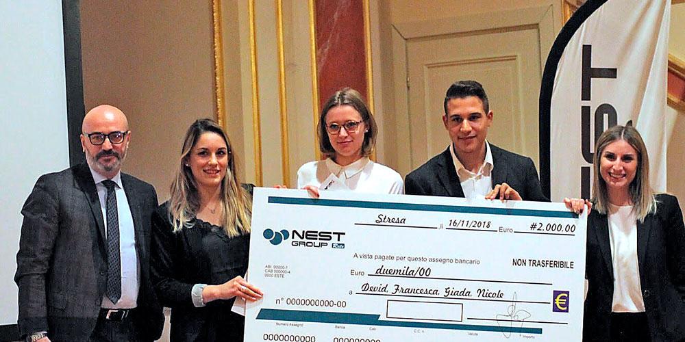 Studenti del Dipartimento di Comunicazione, premiati con una borsa di studio per il progetto di redesign Knip